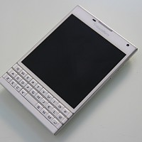 BlackBerry Passport (2).jpg